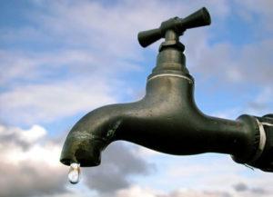 إعلان عن انقطاع الماء الصالح للشرب عن مجموعة من الأحياء بمدينة ببركان