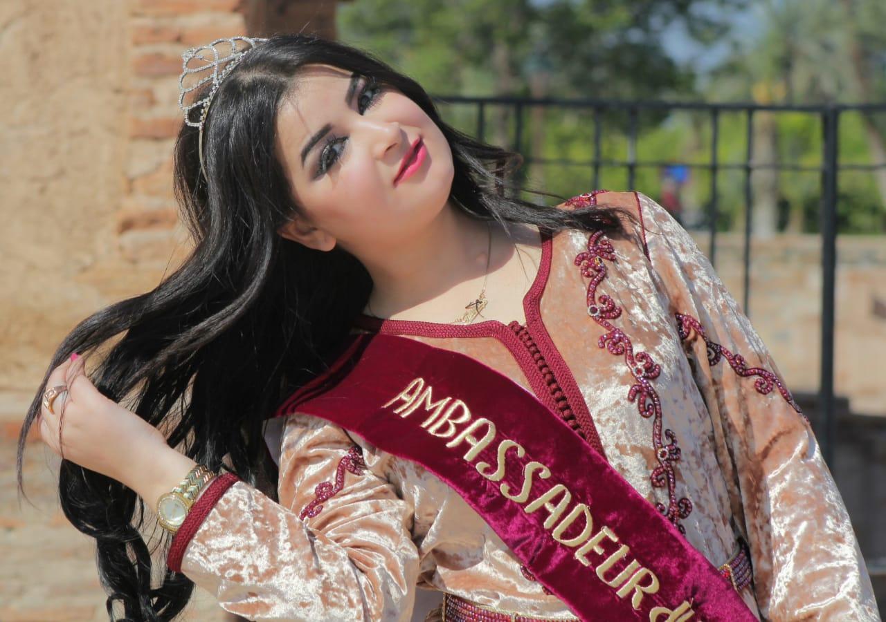 تتويج المغربية فاطمة الزهراء رمان بلقب ملكة جمال السلام بالعاصمة البلجيكية بروكسيل.