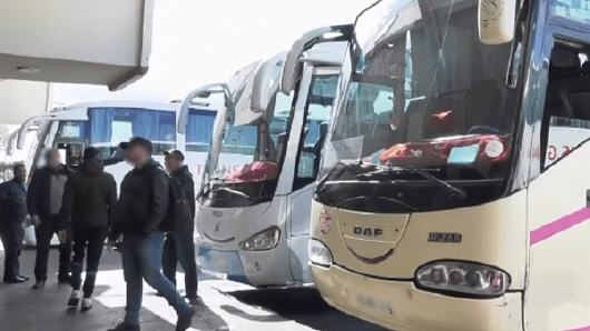 المغرب يوقف حركة حافلات نقل المسافرين بين المدن يوم الثلاثاء