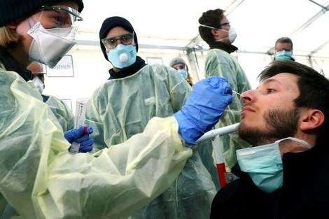 وفق ما أظهرت بيانات لمعهد روبرت كوخ الالماني معدل انتقال فيروس كورونا يعاود الارتفاع