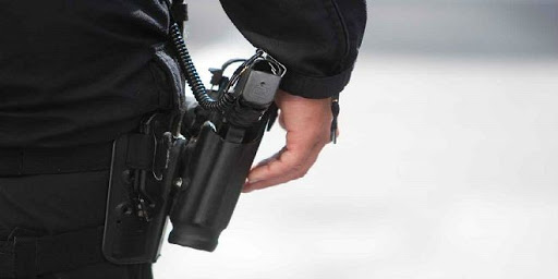 إقدام مفتش شرطة ممتاز على وضع حد لحياته باستعمال المسدس الوظيفي لزميله في العمل.