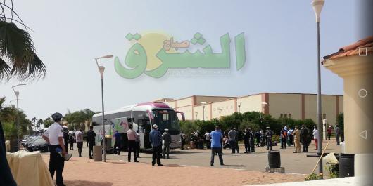 صور حصرية..عودة ما يزيد عن 300 من المواطنين المغاربة العالقين في الجزائر