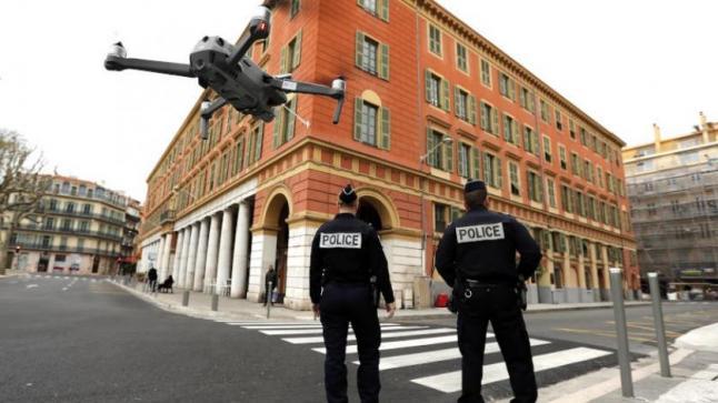 الحكومة الفرنسية تدرس إغلاق باريس 3 أسابيع للحد من انتشار كوفيد -19.