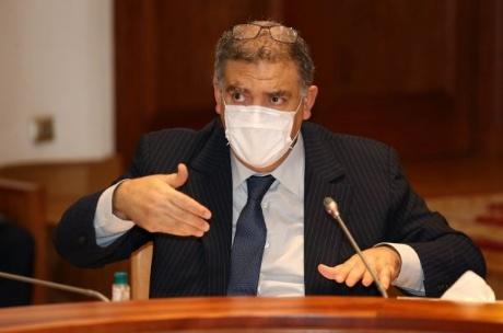 وزير الداخلية: الإعلان عن بعض القرارات مؤخرا لا يعني رفع حالة الطوارئ الصحية