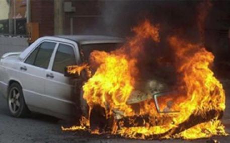 معقم يدين يتسبب في حريق سيارة ضواحي الناظور