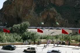 إحباط عملية تسلل العشرات من المواطنين المغاربة العالقين في الجزائر عبر الحدود.