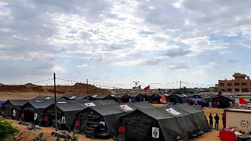 تجهيز مركز استشفائي ميداني جديد بمدينة فاس لمواجهة الارتفاع الحاد في حالات الإصابة بوباء كورونا.