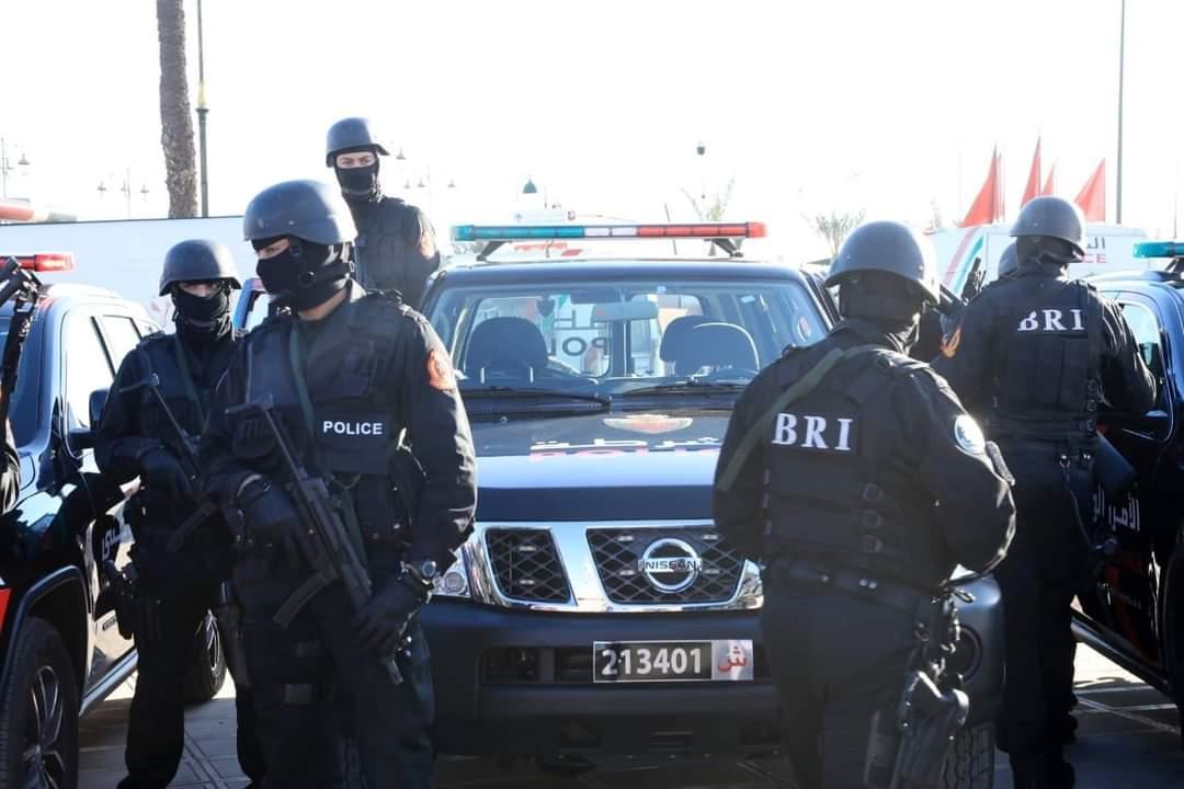 توقيف ثلاثة أشخاص للاشتباه في تورطهم في الاحتجاز والمطالبة بفدية مالية