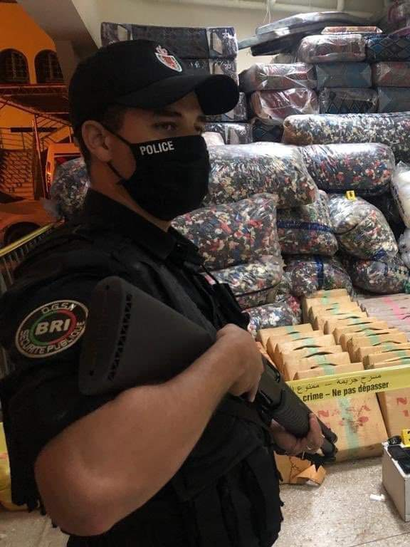 إجهاض محاولة لتهريب 15 كيلوغراما و884 غراما من مخدر الكوكايين نحو المغرب