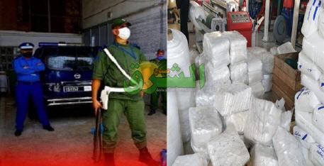 جمارك طنجة تداهم مصنعا سري لصناعة الأكياس البلاستيكية