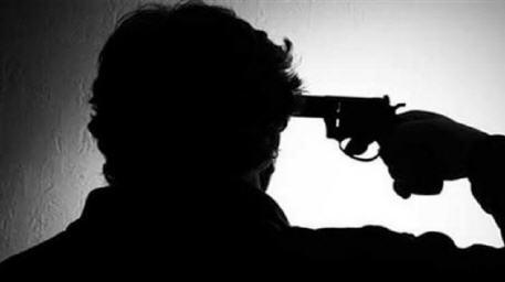 """بسبب ضائقة مادية رجل أعمال ينتحر رميا بالرصاص في بث مباشر على """"فيسبوك"""""""