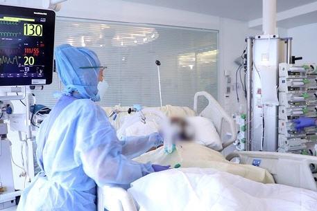 المغرب يسجل 676 إصابة مؤكدة بفيروس كورونا و 5 حالات وفاة