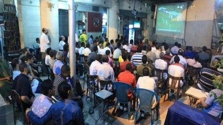 عاجل…السلطات الإقليمية تمنع عرض جميع المباريات بمقاهي بركان