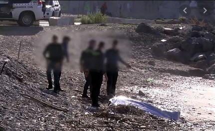 أمواج شاطئ سبتة المحتلة تلفظ جثة مهاجر من جنسية مغربية