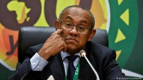 """إصابة أحمد أحمد، رئيس الاتحاد الإفريقي لكرة القدم """"بفيروس كورونا"""" المستجد"""