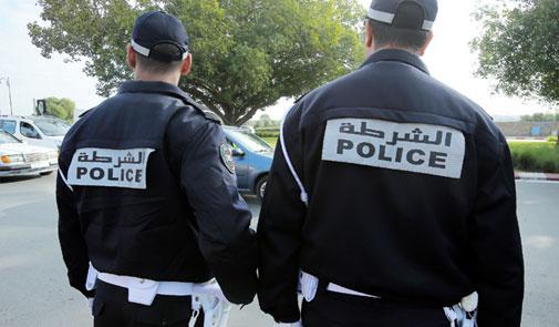 توقيف شرطيين للاشتباه في تورطهما في قضية تتعلق بالابتزاز.