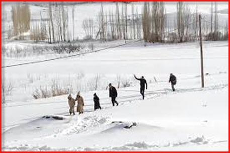 ميدلت..إنقاذ 9 أشخاص ضمنهم 7 أساتذة حاصرتهم الثلوج بين إملشيل والريش