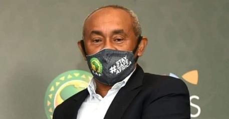 الفيفا يوقف رئيس الإتحاد الإفريقي لكرة القدم أحمد أحمد