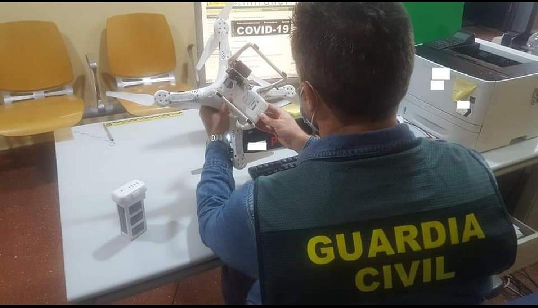 """إلقاء القبض على شاب إسباني حاول تهريب أدوية إلى الناظور باستعمال طائرة بدون طيار """"درون""""."""