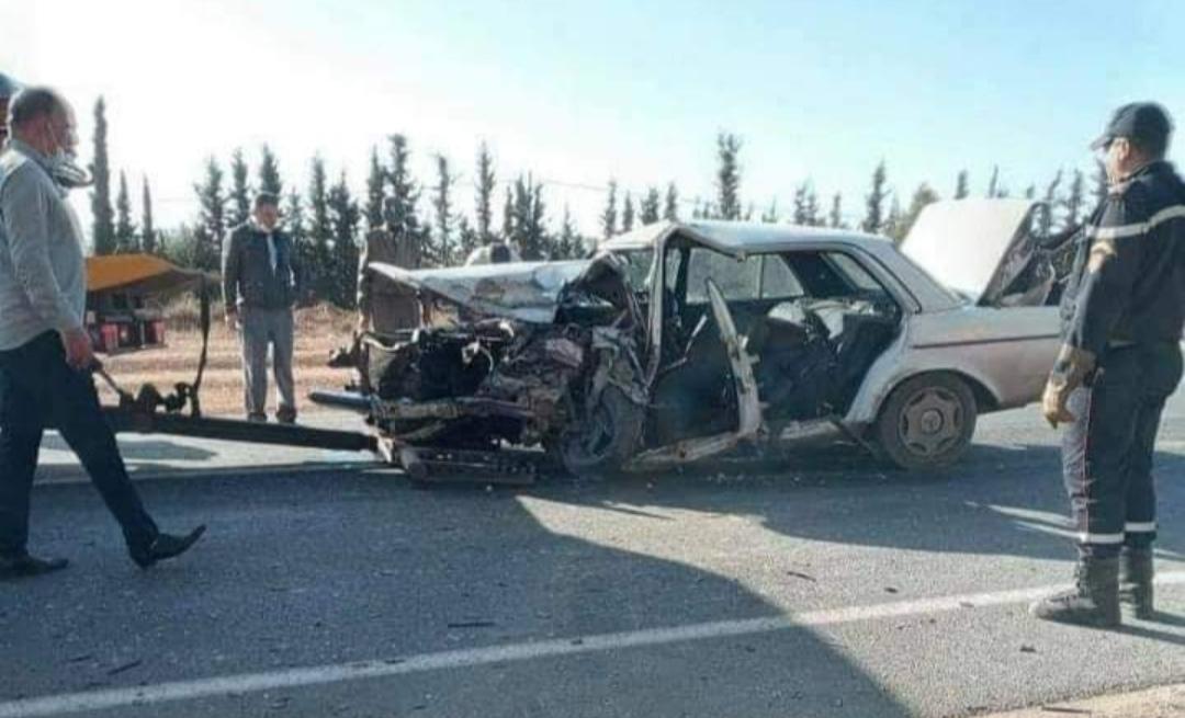 مصرع ثلاثة أشخاص في حادثة سير خطيرة بالناظور .