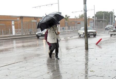 طقس الثلاثاء ..أجواء غائمة مع جو بارد وتساقطات مطرية بمعظم المناطق
