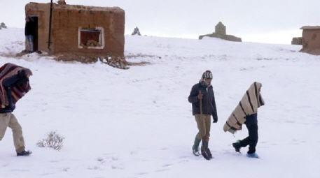 إقليم جرادة.. تعبئة وتدابير استباقية للتخفيف من آثار موجة البرد وفك العزلة عن الساكنة