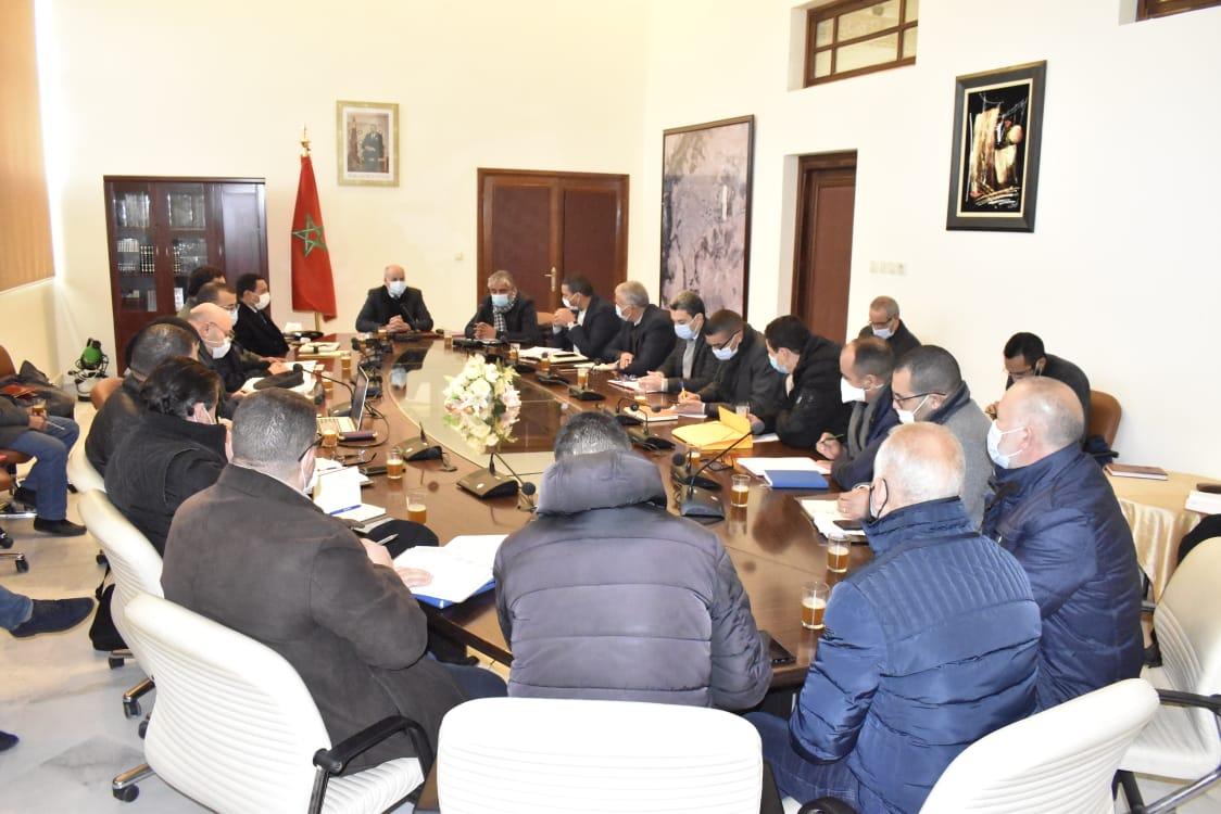 عامل تاوريرت ورئيس جامعة محمد الأول يتفقدان سير أشغال الملحقة الجامعية لجامعة محمد الأول بتاوريرت.