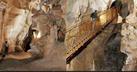 """اكتشاف أقدم نقوش صخرية بشمال إفريقيا تعود للعصر الحجري الأعلى بمغارة الجمل""""بزكَزل"""" إقليم بركان"""