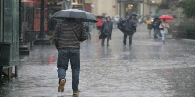 تساقطات مطرية وثلجية قوية بعدد من مناطق المملكة بدءا من اليوم