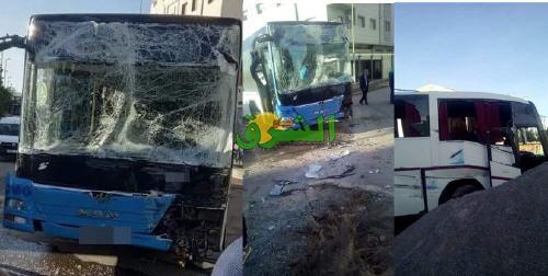 حادث اصطدام بين حافلتين بالقرب من كلية سلوان يُسفرعن إصابات