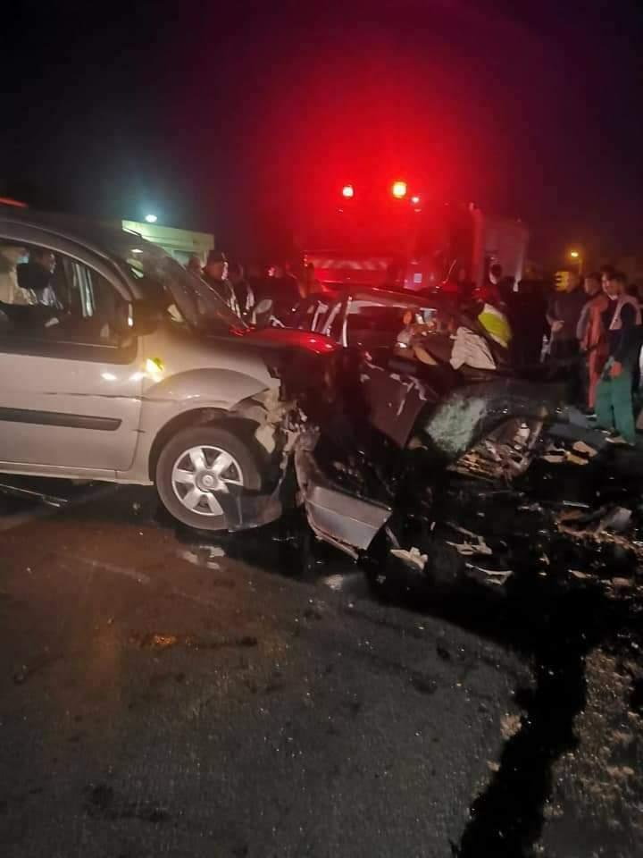 حادث إصطدام سيارتين يخلف وفاة سيدتين ونقل 4 جرحى أخرين الى المستشفى