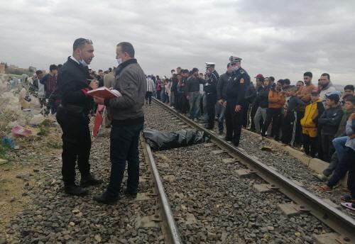 قطار يحول جثة شاب في سن 17 سنة إلى أشلاء بالعيون الشرقية