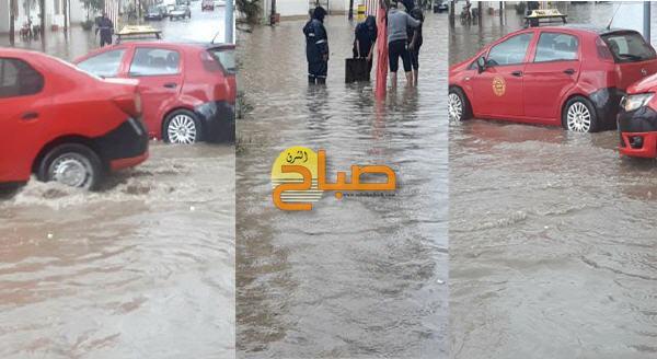 """أمطار رعدية ومياه """"قنوات الصرف الصحي"""" تغرق شوارع وجدة"""