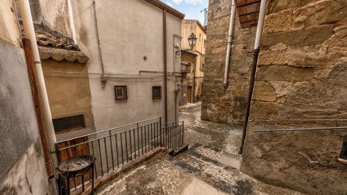 """إيطاليا.. منازل للبيع بسعر """"عشرة دراهم"""" ولكن بشروط معقدة بعضها ظاهر وأكثرها خفي"""