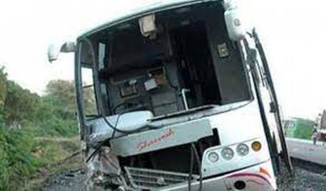 إصابة 29 طالبا، حالة بعضهم خطيرة، في حادثة سير خطير  شرق البلاد