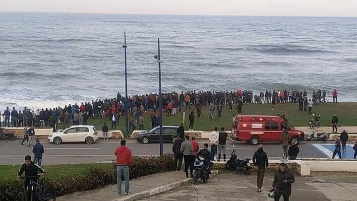 نزوح جماعي للهجرة السرية سباحة من الفنيدق نحو اسبانيا تنتهي بمأساة