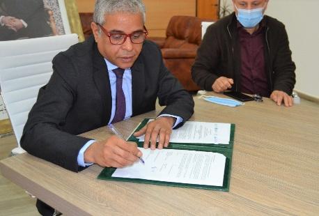 جامعة محمد الأول بوجدة توقع شراكة في مجال العلوم البحرية والثروات السمكية مع مؤسسات كبرى مختصة