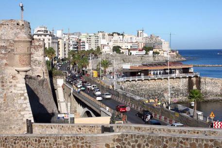 السلطات الإسبانية تقرر تمديد إغلاق الحدود البرية لمليلية وسبتة إلى غاي 30 شتنبر القادم.