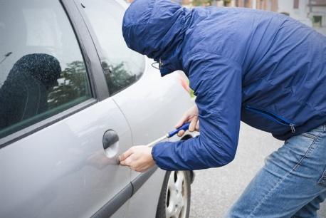 """خطير! سرقة سيارتين من نوع مرسيدس """"190"""" في أقل من أسبوع ببركان"""