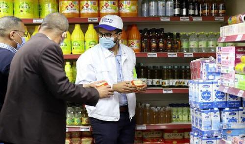زيادات جديدة ومفاجئة في أسعار المواد الاستهلاكية والسلع الغذائية طرحت الكثير من علامات الاستفهام لدى الباعة
