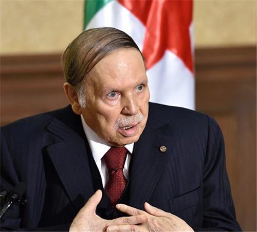 عاجل : وفاة الرئيس الجزائرى السابق عبد العزيز بوتفليقة