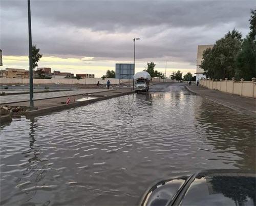 العيون سيدي ملوك : الأمطار تعري واقع البنية التحتية والساكنة تحمل المسؤولية للمنتخبين