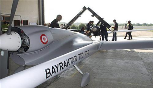 وفاة «أوزدمير بيرقدار» مهندس طائرات درون بيرقدار التركية